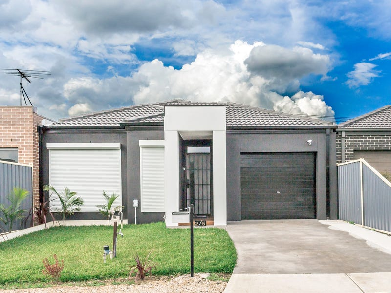 2/5 Rainone Place, Tarneit, Vic 3029