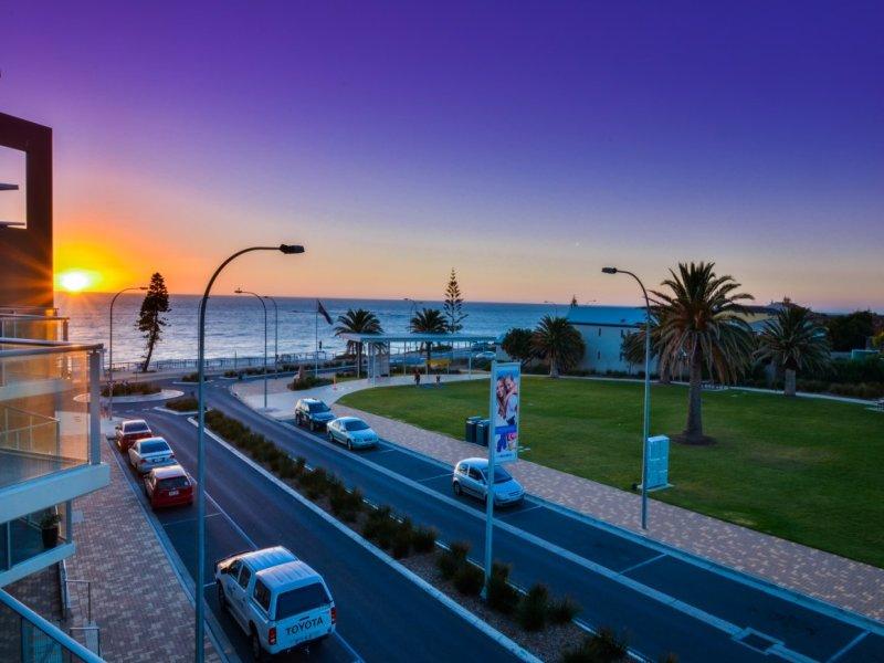 212-50 Esplanade, Christies Beach, SA 5165