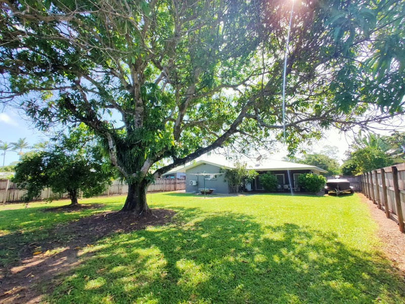 11 Buccaneer St, South Mission Beach, Qld 4852