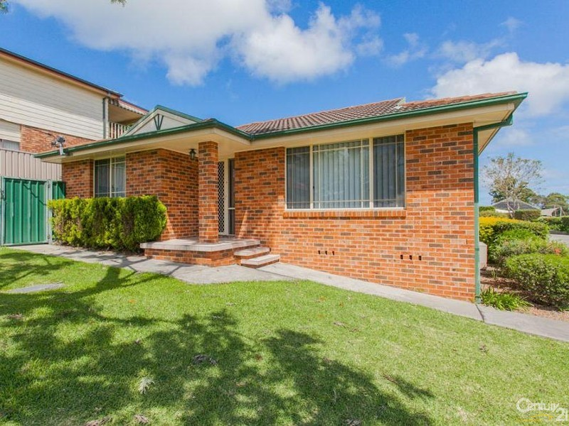1/4 Chippindall Street, Speers Point, NSW 2284