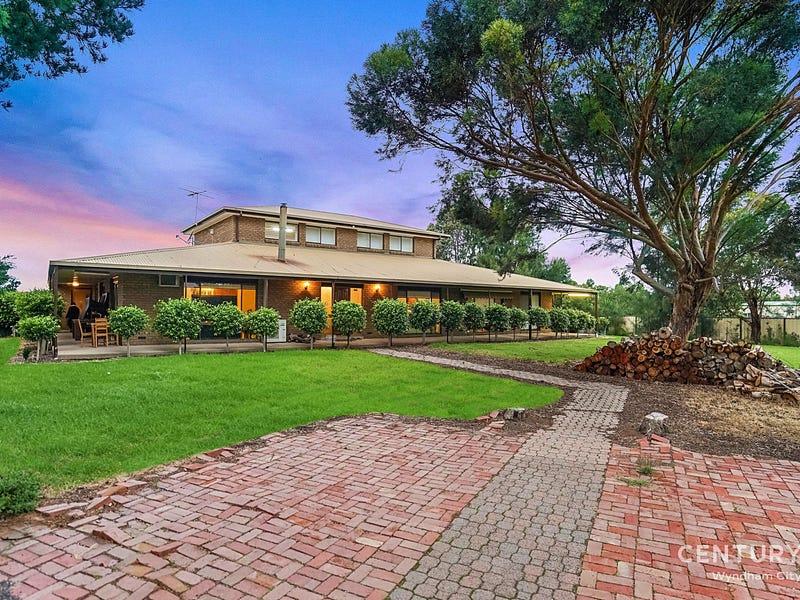 30 Orlando Grove, Avalon, Vic 3212