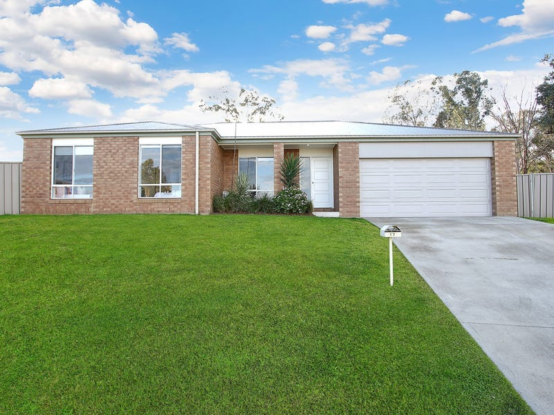 17 Chafia Place, Springdale Heights, NSW 2641
