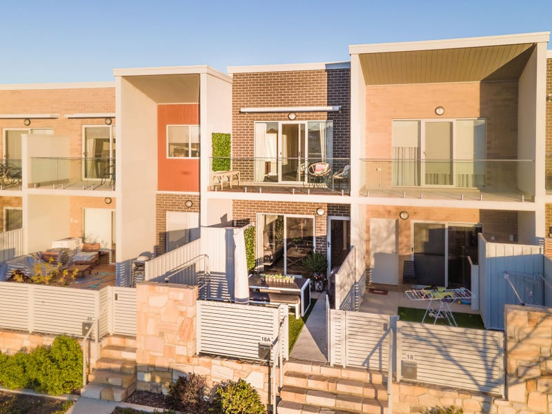 18A Edgeworth Parade, Coombs, ACT 2611