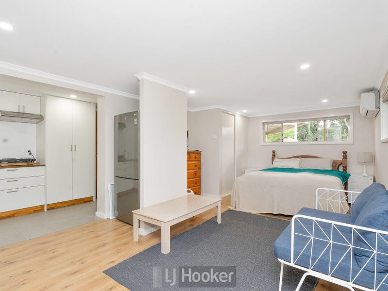 1/5 Blaxland Road, Macquarie Hills, NSW 2285