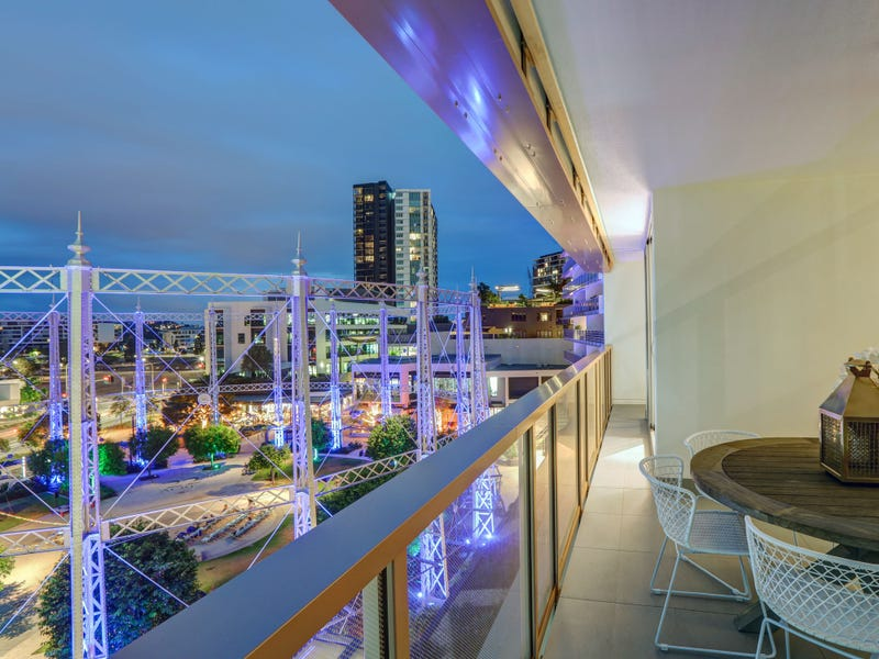 Real Estate Property For Sale In Newstead Qld 4006 Realestate - Mariners-reach-penthouse-brisbane-designer-mirvac
