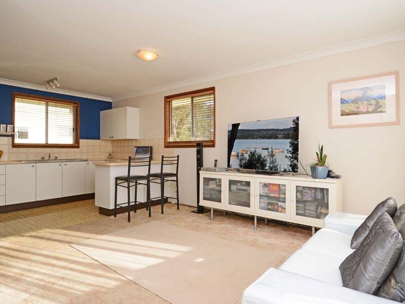 11 Crescent Road, Wangi Wangi, NSW 2267