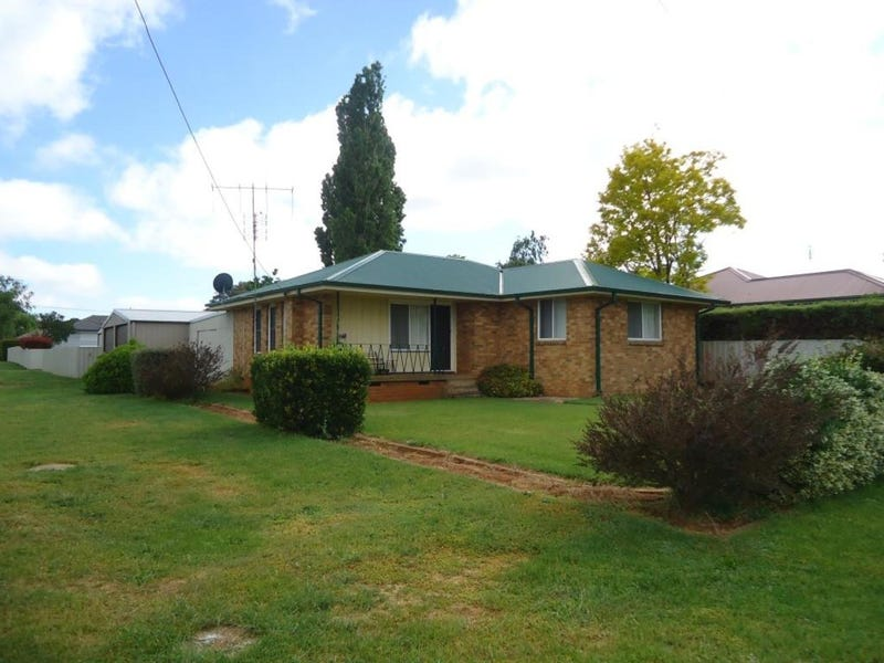 22 Crown Street, Crookwell, NSW 2583