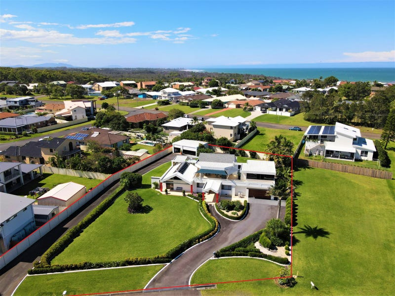 3 Seaspray Circuit, Wallabi Point, NSW 2430