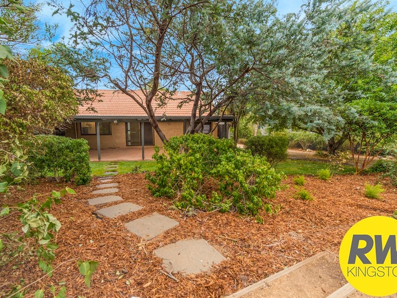 8 Wragge Place, Florey, ACT 2615