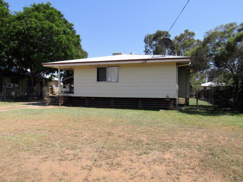 22 Eucalyptus Street, Blackwater, Qld 4717