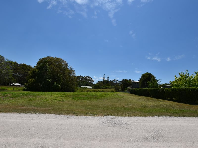 23 Boeing Ridge Rd, Russell Island, Qld 4184