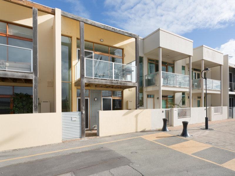 6 Warrawee Dock, Port Adelaide, SA 5015