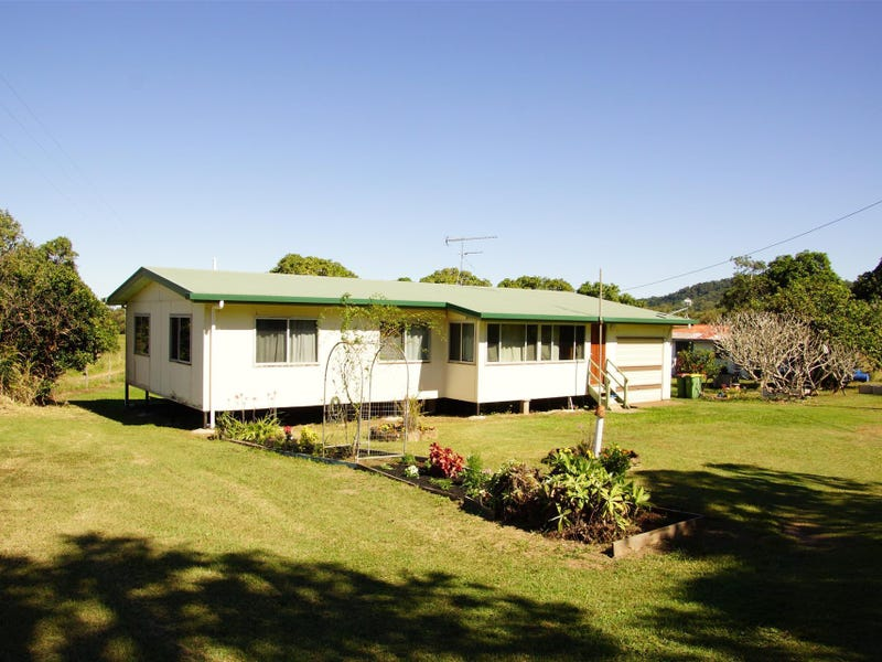 694 Sarina Beach Road, Sarina, Qld 4737