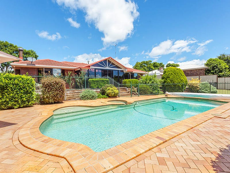 7 Lorna Court, Centenary Heights, Qld 4350