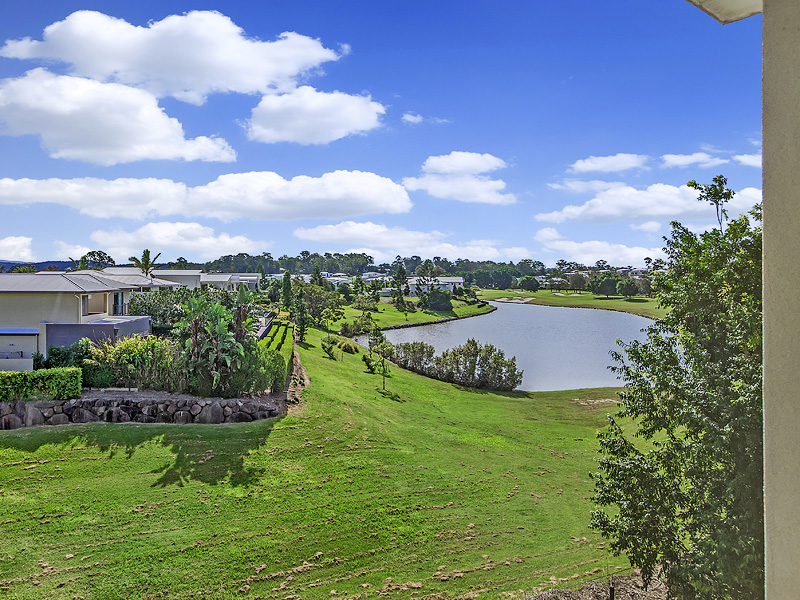 12A The Dress Circle, Benowa, Qld 4217
