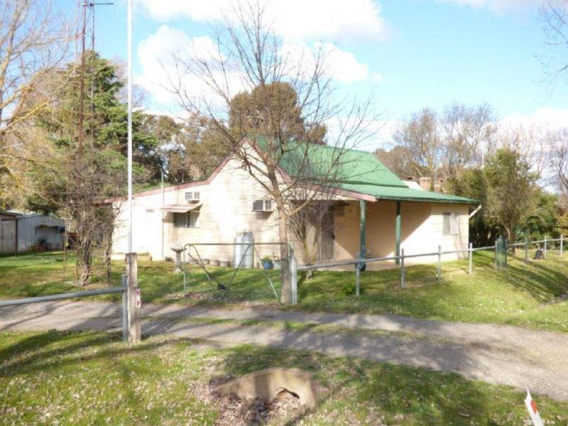 11 Watson Street, Wallendbeen, NSW 2588
