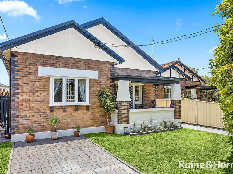 5 Greenacre Road, South Hurstville, NSW 2221