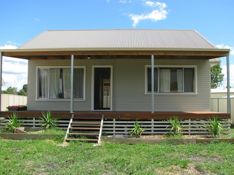 1A Oak Place, Inverell, NSW 2360