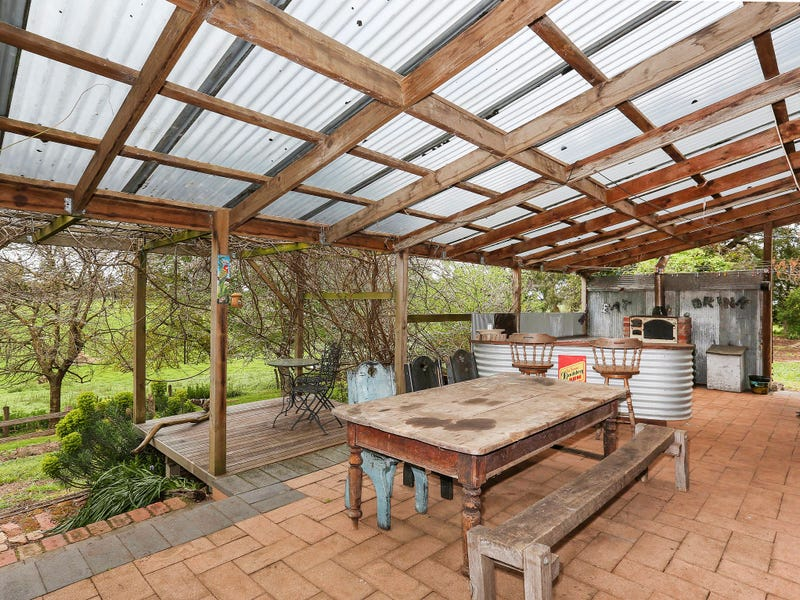 15 Ryans Lane, Coragulac, Vic 3249