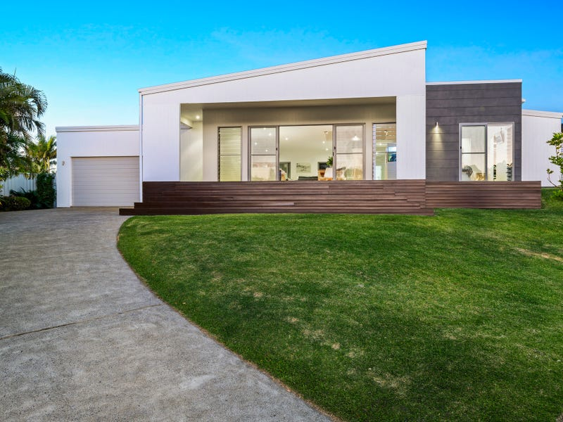 5 Outrigger Place, Safety Beach, NSW 2456