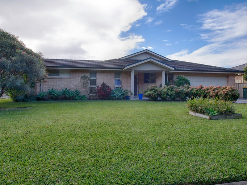 1/12 The Southern Parkway, Forster, NSW 2428