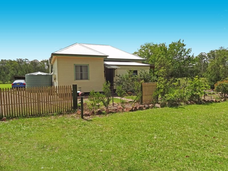 739 The Bucketts Way, Limeburners Creek, NSW 2324