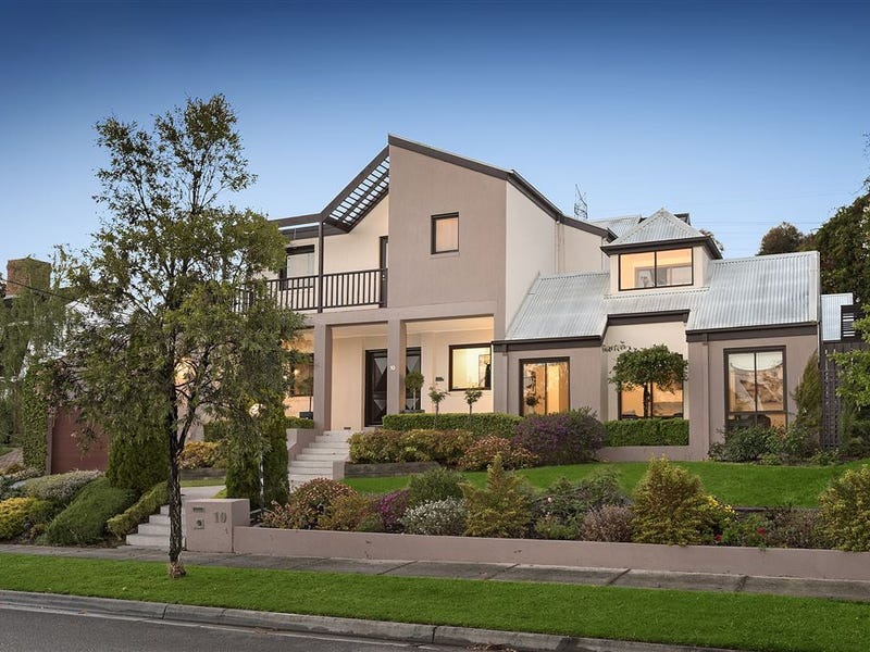 10 Kings Lynn Place, Wheelers Hill, Vic 3150