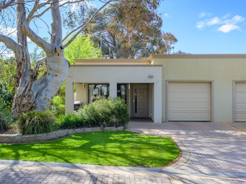 5 Peppermint Parade, Lake Hume Village, NSW 3691