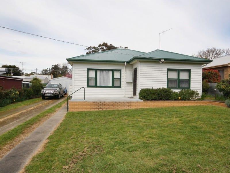 31 Burke Street, Beaufort, Vic 3373