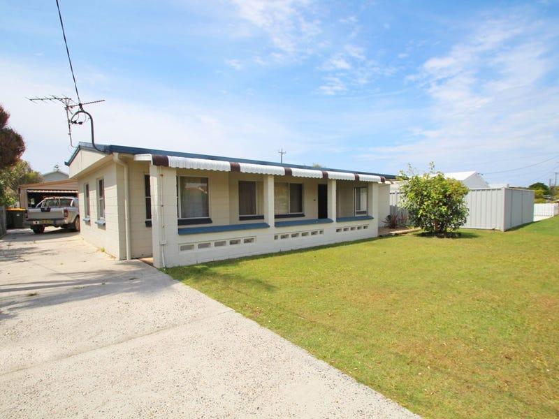 19 Honeysuckle Street, Brooms Head, NSW 2463