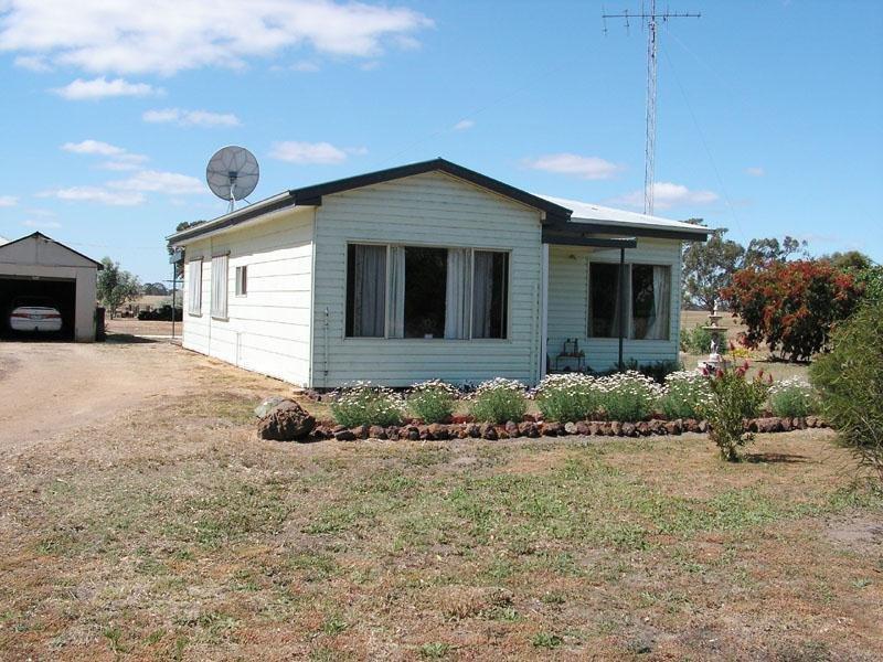 715 Charam - Wombelano Road (Charam), Edenhope, Vic 3318