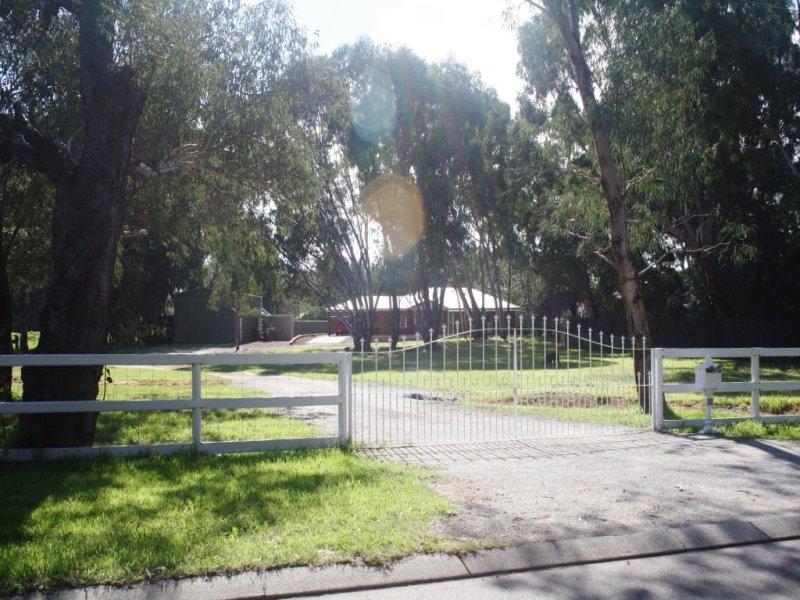 22 Hazelmere Circus, Hazelmere, WA 6055