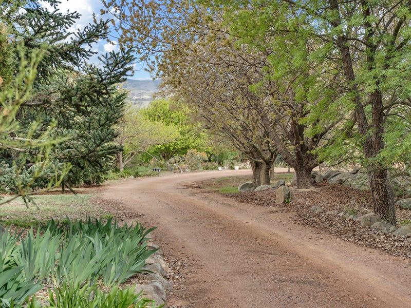 4 Riverbend Road, Wallaroo, NSW 2618