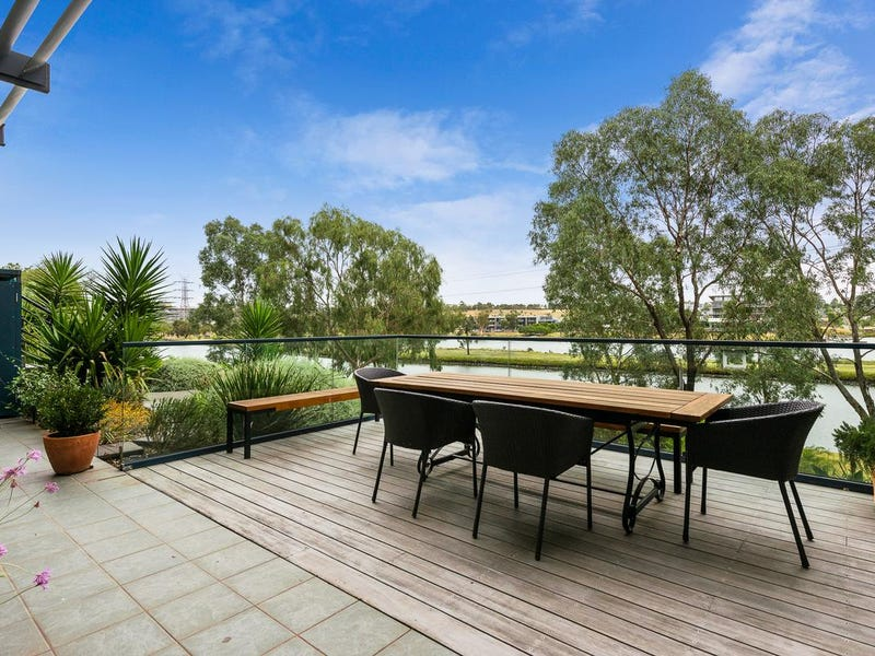 1B/33 Fisher Parade, Ascot Vale, Vic 3032