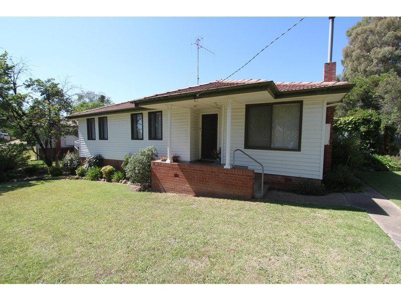8 White Street, West Bathurst, NSW 2795