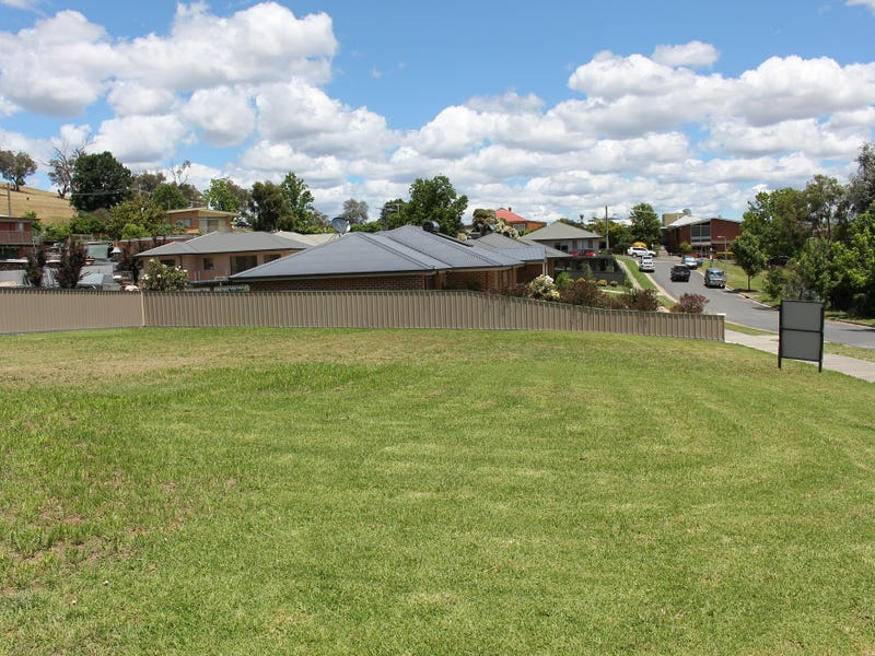 12 Maples Ct, Corryong, Vic 3707