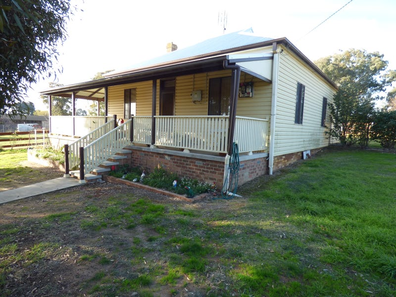 72 Lachlan, Young, NSW 2594