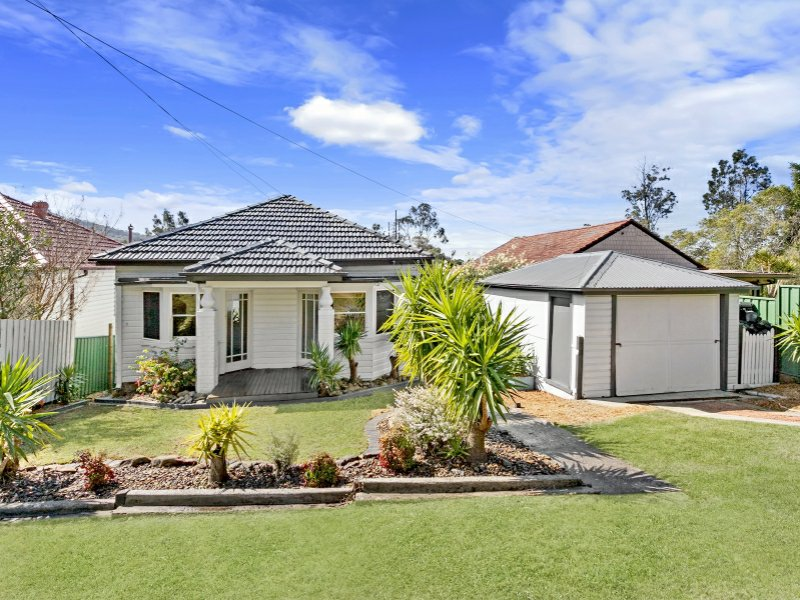 2 Phillips Avenue, West Wollongong, NSW 2500
