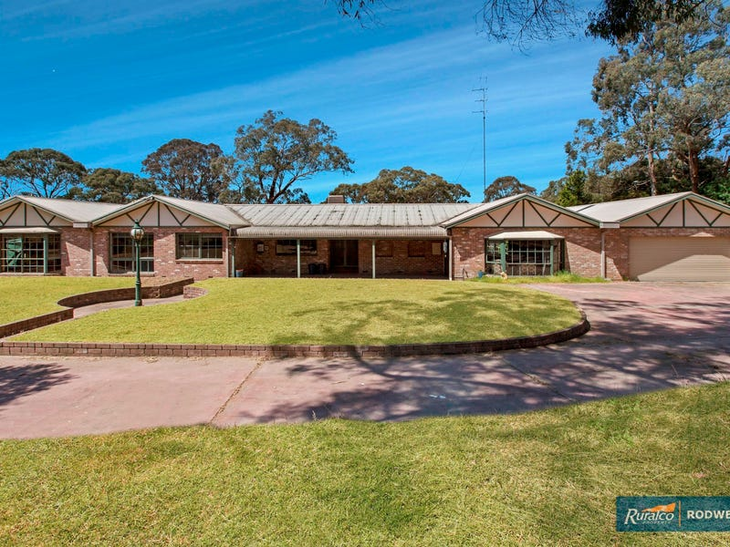 9-11 Duffy Street, Kilmore East, Vic 3764
