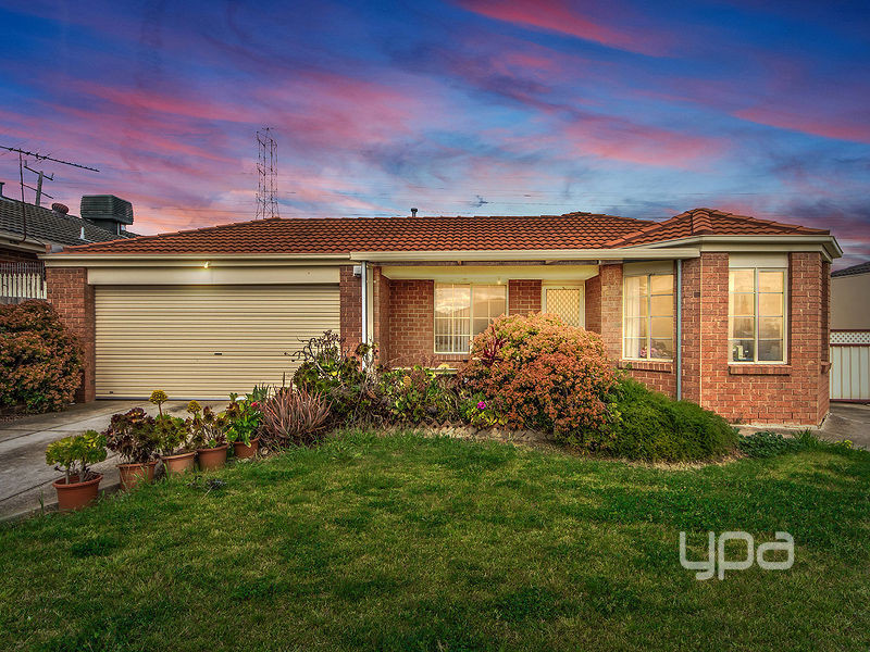 99 Moonstone Circuit, St Albans, Vic 3021