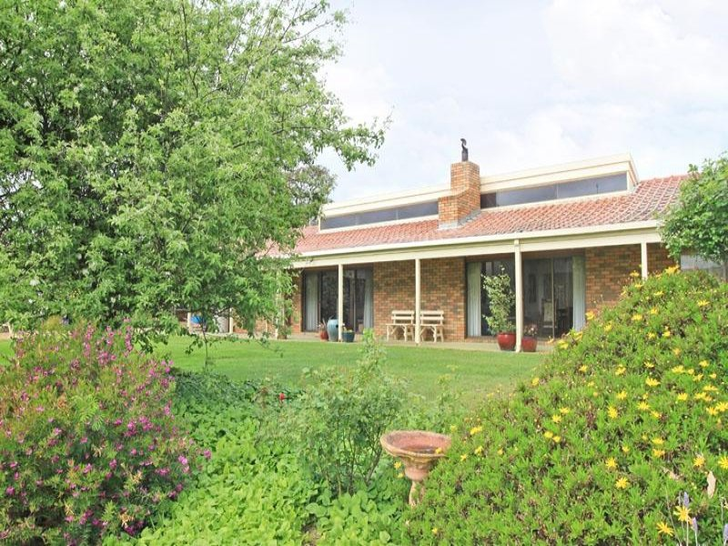 105 Whitebridge Road, Cobaw, Vic 3442