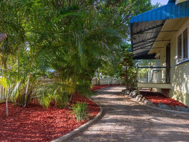 20 Clifford Street, Woody Point, Qld 4019