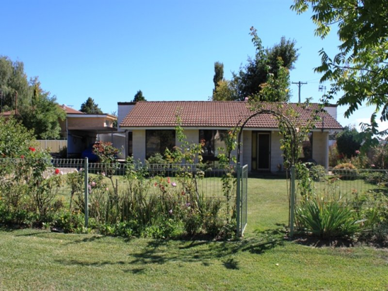13 Lloyds Road, Bathurst, NSW 2795