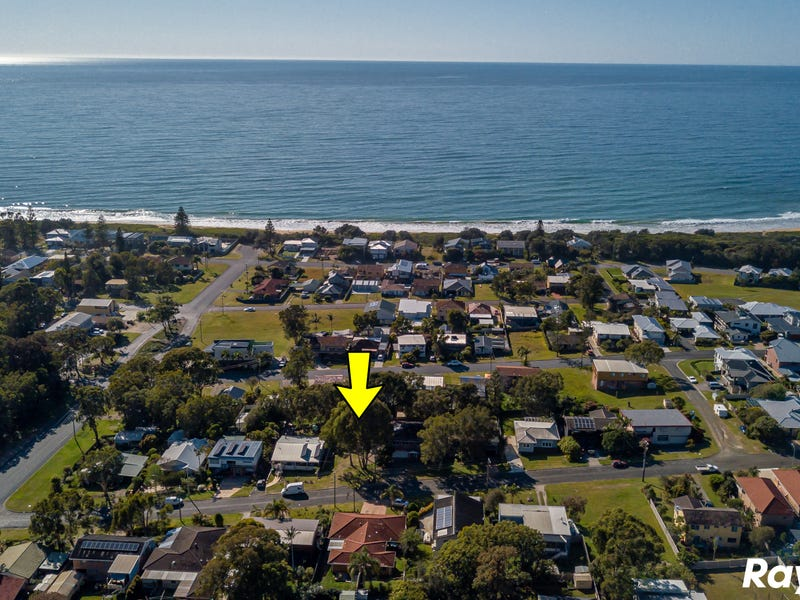 10 Escapade Avenue, Diamond Beach, NSW 2430