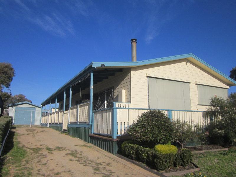 9 Ocean Court, Golden Beach, Vic 3851