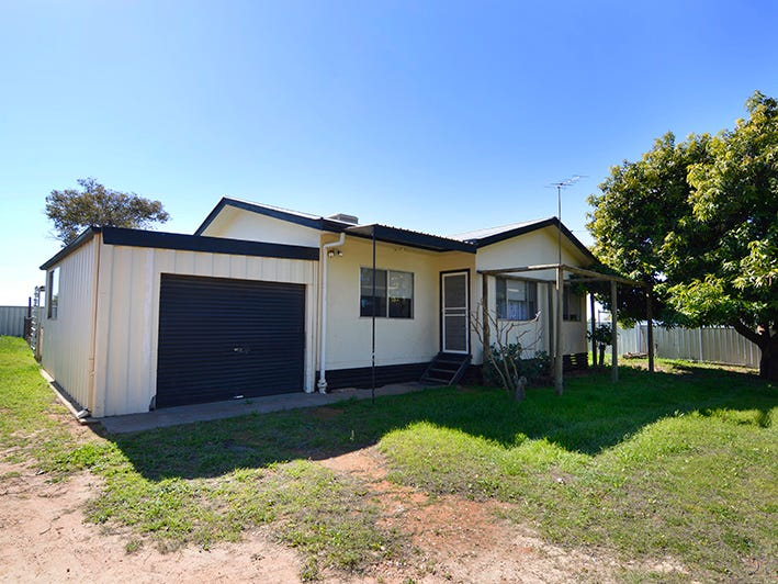 29 Pitman Avenue, Buronga, NSW 2739