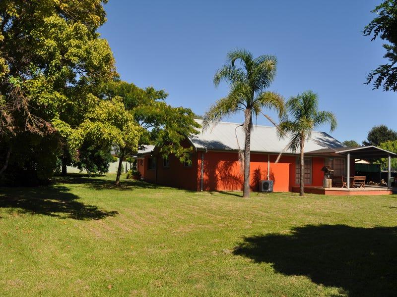 73-75 Broughton Street, Tumut, NSW 2720