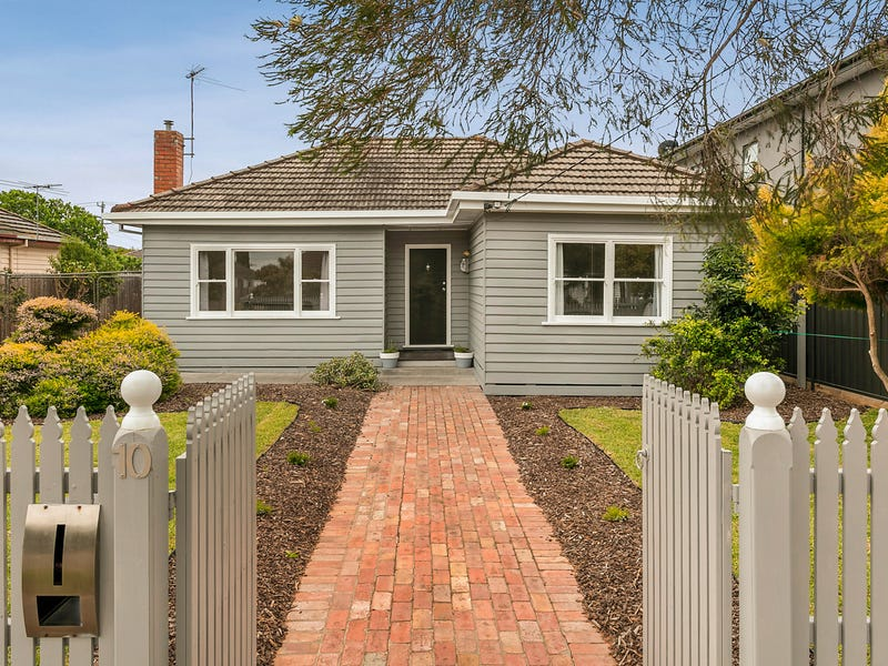 10 Curtin Avenue, Hadfield, Vic 3046