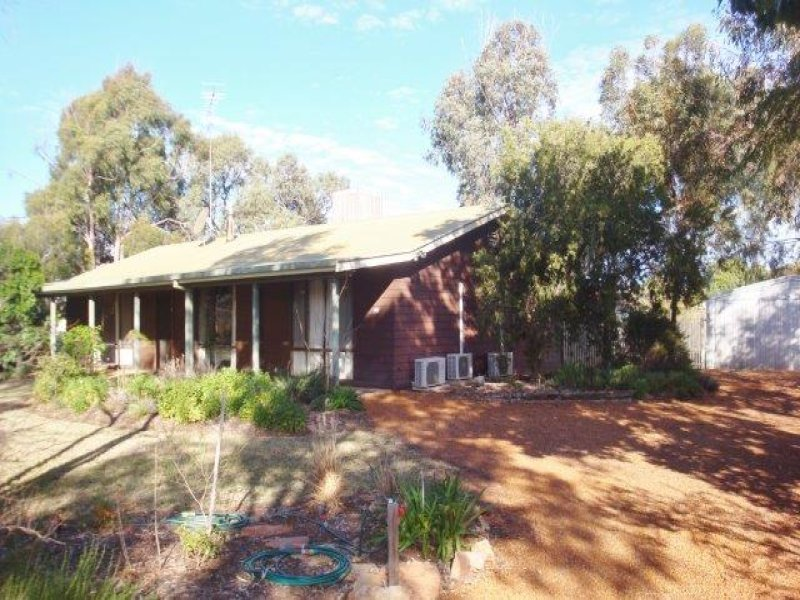 1 Moore Street, Hillston, NSW 2675