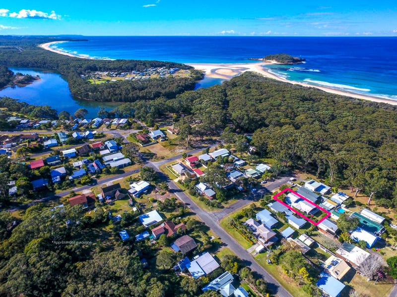 7 Surf Street, Lake Tabourie, NSW 2539